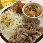 キッチンABC - 日替定食  豚カラシ焼肉側からパチリ