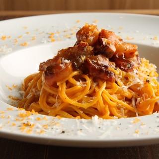 パスタはすべて自家製手打ち麺でご提供。