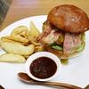 burger house UZU - 料理写真:ップルウッドスモークベーコンチーズバーガー1250円外税