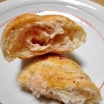 ブレッド アース - ベーコン入りのパン