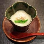 86760165 - 【先付】毛蟹とホワイトアスパラの冷製茶碗蒸し