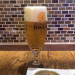 カヤバール - ハッピーアワーで300円(税別)のビール