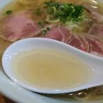 86764650 - 鶏ガラ+塩スープ