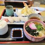 和食処 本陣 - 鯛寿司御膳。1220円