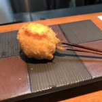 串揚げ串和 - 鶉卵のベーコン巻