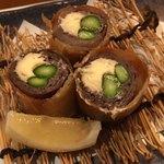料理屋 錦三山車楼 - 和牛モモ肉とアスパラのチーズ春巻き