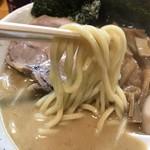 永太 - 永太ラーメン 中盛 ¥950  麺リフト