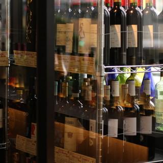 目利きが冴える日本酒。魅惑のワインセラーで厳選ワインも愉しむ
