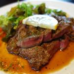 翠藍 - 牛ロースステーキ定食1,200円。