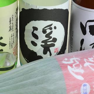 正統派な鮨と愉しむ通好みの地酒。田酒、飛露喜など。