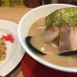 麺屋 三ツ星 - 料理写真:半ちゃんセット850円(2018.05)
