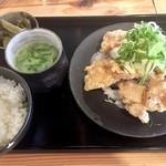 炊き餃子と鶏すき大衆酒場 仕事鶏A - ごろつきチキン南蛮定食750円