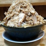 86789254 - 「豚W入りカレーラーメン(野菜マシマシ、アブラマシマシ、カツオマシマシ、カラメマシマシ)」