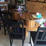 サブマリン - 『サブマリン』店舗内観「テーブル席」