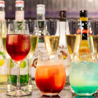 お酒も種類豊富に取り揃えております
