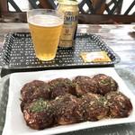 たこ八ちゃん - 料理写真:たこ焼きとビールをいただきました!(2018.5.31)