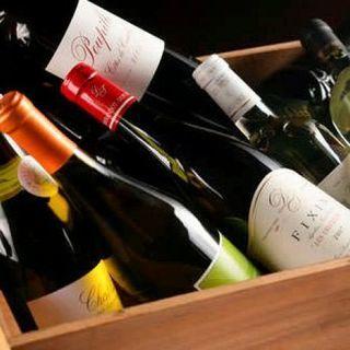 鉄板料理と相性抜群な、店主厳選ワイン