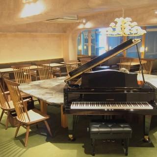 グランドピアノのある空間