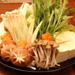琉球炭火焼居酒屋 すいしゃ - 料理写真:クイマール豚しゃぶしゃぶ鍋コースの鍋野菜‼