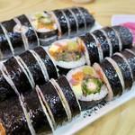 고봉민김밥인 - 料理写真:돈까스김밥(トンカツキンパ)3500₩、소불고기김밥(牛プルコギキンパ)4000₩