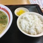 支那そば 三八 - やっぱ日本人は白飯です(久しぶり)