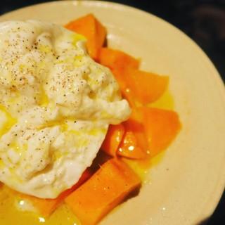 季節に合わせたフルーツとフレッシュチーズが絶品!