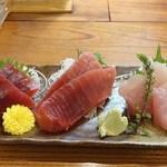 海舟 - 料理写真:マグロ三種 2,800円