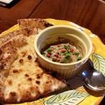 ピッツェリア グランデ - 鶏レバーのクロスティーニ。美味しいです。