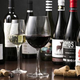 自然派ワインを取り揃えております♪