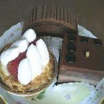 サントゥール - 料理写真:ケーキ3種