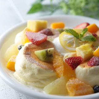 パンケーキ彩りフルーツ