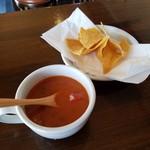 パンチーズハウス - ランチには「トルティーヤスープ」が付いてきます