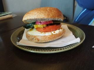 サカイノマ カフェ - ベーグルサンドイッチ550円