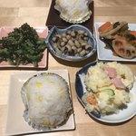 うえ山 - 料理写真:つきだし3種×2人前