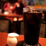 アメリカン - アメリカンなサイズのアイスコーヒー。