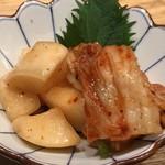 広島の黒毛和牛焼肉専門店 肉亭いちゆく - キムチの盛り合わせ