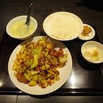 嘉楽料理館 - 回鍋肉定食