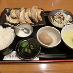 日本橋焼餃子 - 餃子10個定食780円