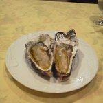 レストラン 仁 - 北海道厚岸産の牡蠣 良いのが入ってるね。嬉しい。