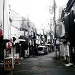 86832027 - カオスな横須賀