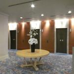 86832474 - 宴会フロアの廊下