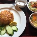 86833366 - トムヤムソースパクチー炒飯セット