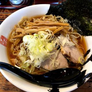 麺屋久兵衛  - 料理写真:ライバルは太麺渡辺か! 微ワシワシ感の麺と濃厚煮干しがベストマッチです。大盛り無料も打倒渡辺を意識してか?