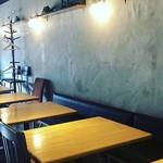 カフェ&ダイニング アオハナ - 電源、無料WiFi完備