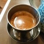 インド定食ターリー屋 - でも、ティーカップは小さめ(^^; 持つとき熱かった(^^;