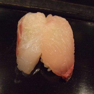 大将寿司 - 料理写真:大将おまかせ寿司3,675円。カンパチ、黒鯛。