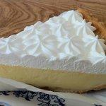 TED'S Bakery   - マカデミアナッツクリームパイ