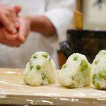 麻布 幸村 - 豆ご飯のおにぎり