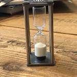 ゼブラ コーヒーアンドクロワッサン - 【2018.5.28】砂時計が落ちるタイミングでプレスして注ぐ。