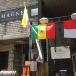 MAGNET -